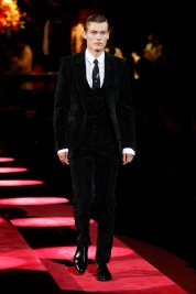 dolce-and-gabbana-fall-winter-2019-20-men-fashion-show-runway-28