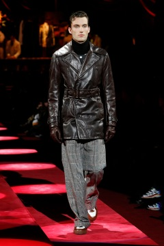 dolce-and-gabbana-fall-winter-2019-20-men-fashion-show-runway-31