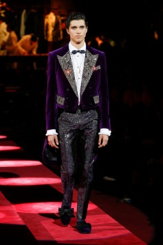 dolce-and-gabbana-fall-winter-2019-20-men-fashion-show-runway-46