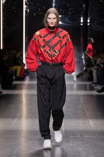 versace-fw19-men-fashion-show-look-13-front